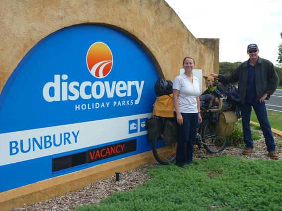 Nicole & Ollie, hosts at Bunbury Discovery Holiday Park. WA