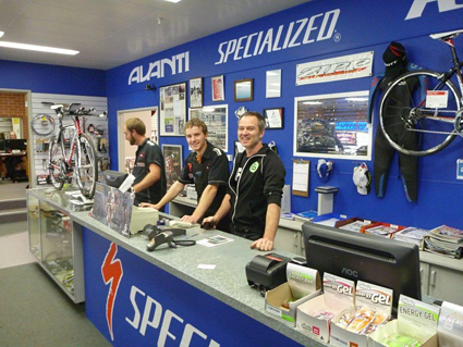 Tarquin & part of the team at Avanti Plus Cycle Specialist, who kept us in the running. HUGE THANKS to you all!!!! Albany, WA